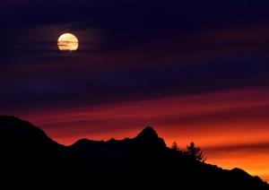 mountains-665199_1280