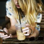 4 Sneaky Ways Websites Convince Us to Overspend