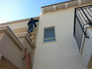 4 Times to Hire Instead of DIYing Home Improvements